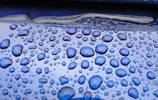 Blue_rain_drops_473_l